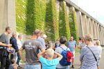Zum Foto: Die Besichtigung der Schleuse Leerstetten mit Wasserkraftnutzung im vergangenen Jahr zur Klimawoche. Foto: lra