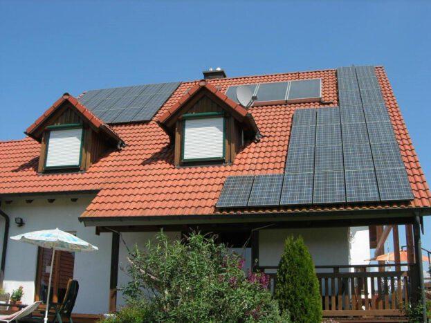Haus Solar (PV und Solarthermie)